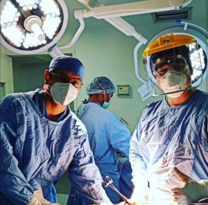 Cirugía-de-reconstrucción-articular-por-fractura-distal-del-fémur